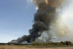 Florida, en estado de emergencia por 105 incendios