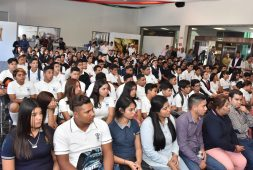 LETICIA HERRERA BENEFICIA A 200 ESTUDIANTES  DEL MEDIO RURAL CON BECAS DE TRANSPORTE
