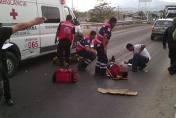 Motociclista lesionado en accidente