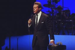 Luis Miguel presuntamente agrede a staff en concierto (+ video)