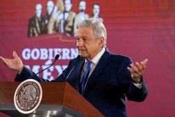 AMLO pide crear ruta legal para eliminar reforma educativa (+video)
