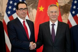 EU y China reanudan conversaciones comerciales en Washington