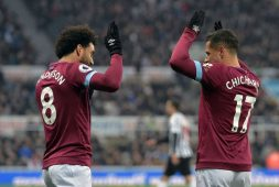 West Ham y Chicharito caen 4-1 ante el Manchester City en Premier League Asia Trophy