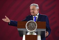 Eran aportaciones no sobornos, dice AMLO sobre video