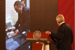 AMLO exhibe video; es abuso de poder: PAN